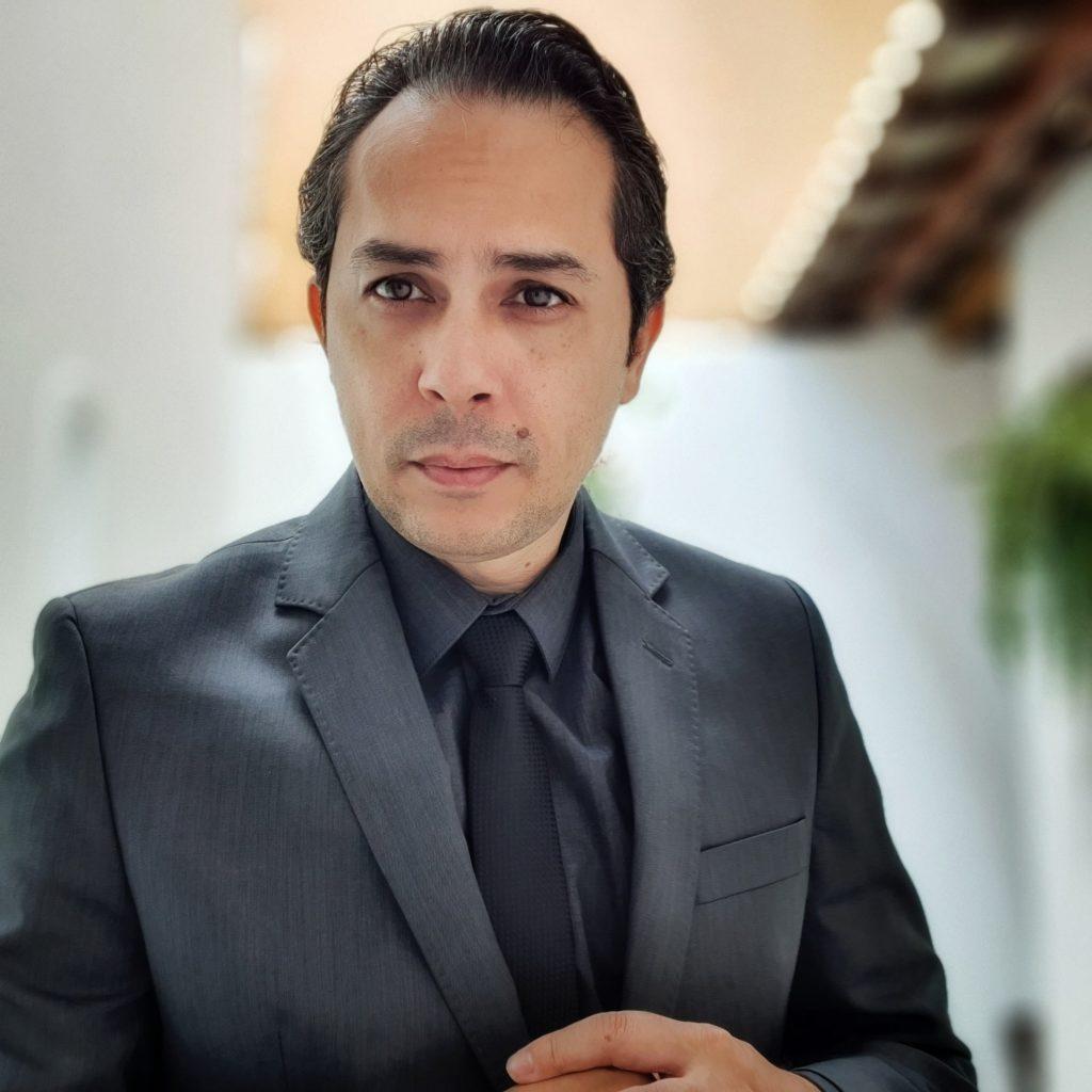 Dr. Tcharlye Guedes